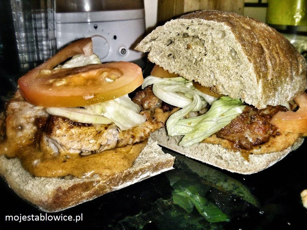 przepis, gotowanie, chleb, pomidory, żeberka, sałata, cebula