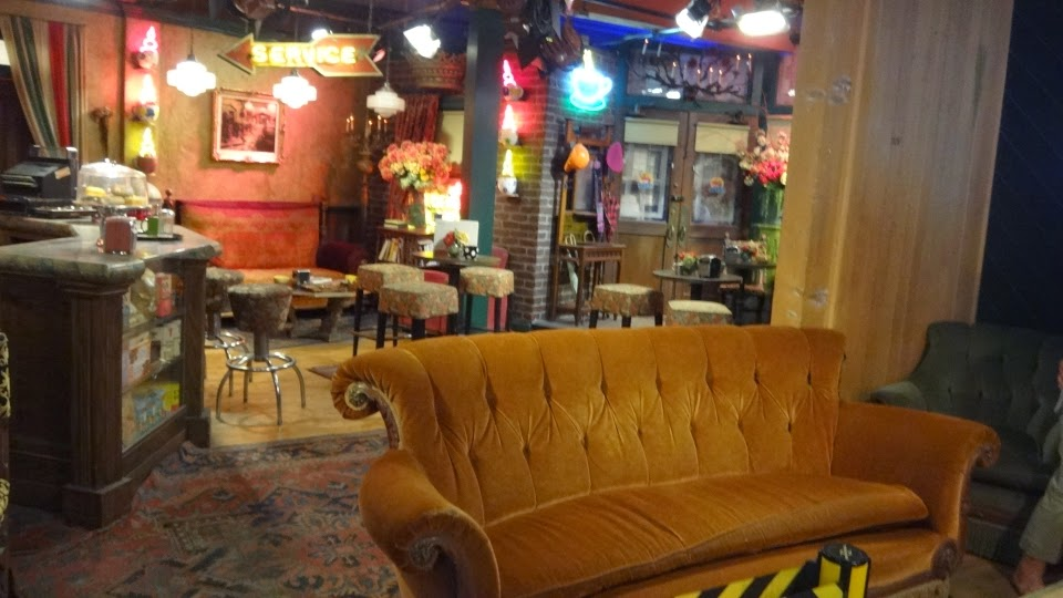 the central perk - friends - warner bros - los angeles