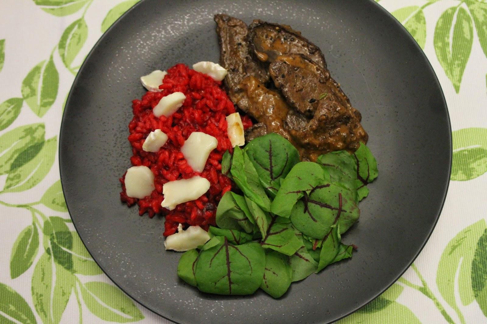 Karitsanmaksaa, punajuuririsottoa ja vuohenjuustoa