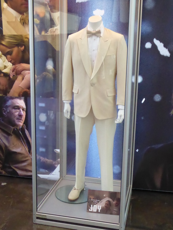 Robert De Niro Joy wedding suit