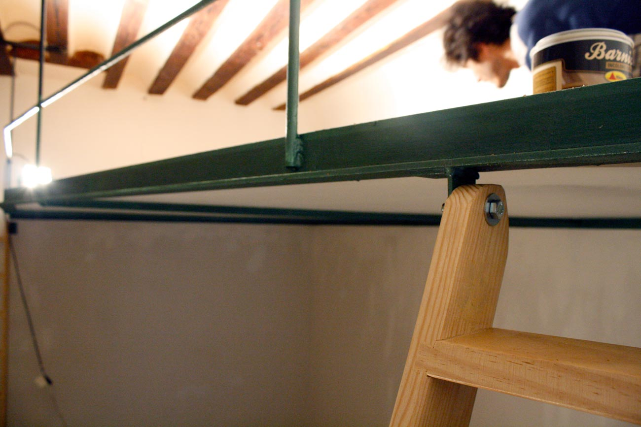 Supermanitas altillo barato fino sin pilares y sin obra for Como hacer una estructura metalica para techo