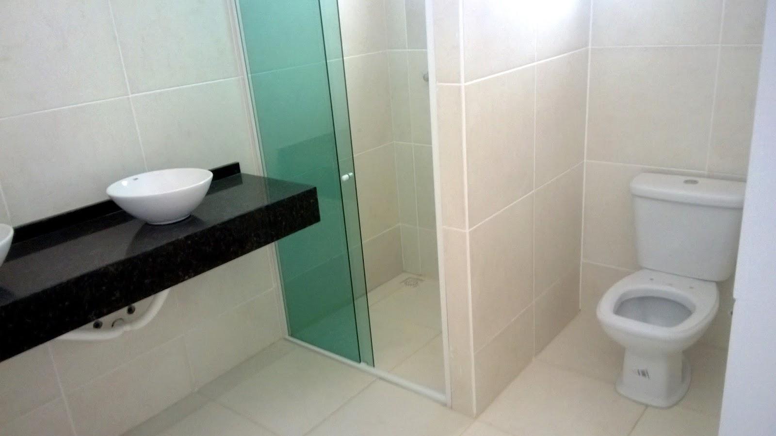 bancada com duas cubas e armários darão um belo visual nesse #43735F 1600x898 Bancada Banheiro Duas Cubas