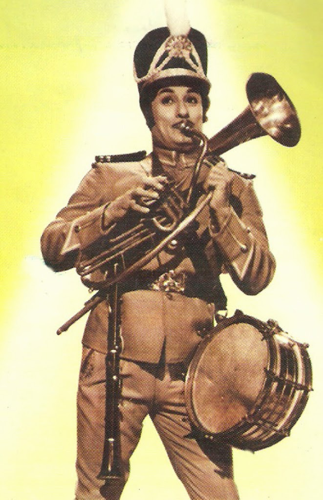 MGR in 'Ninaithadhai Mudippavan' Movie (1975)
