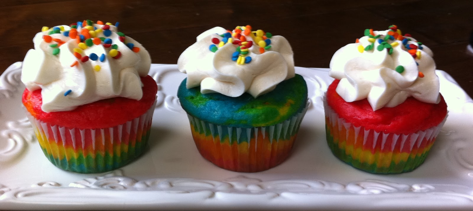 The Sweet Swiper: Rainbow Cupcakes