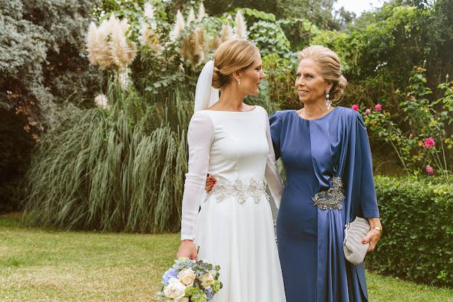 Novia y madre vestidas de Tere Torres
