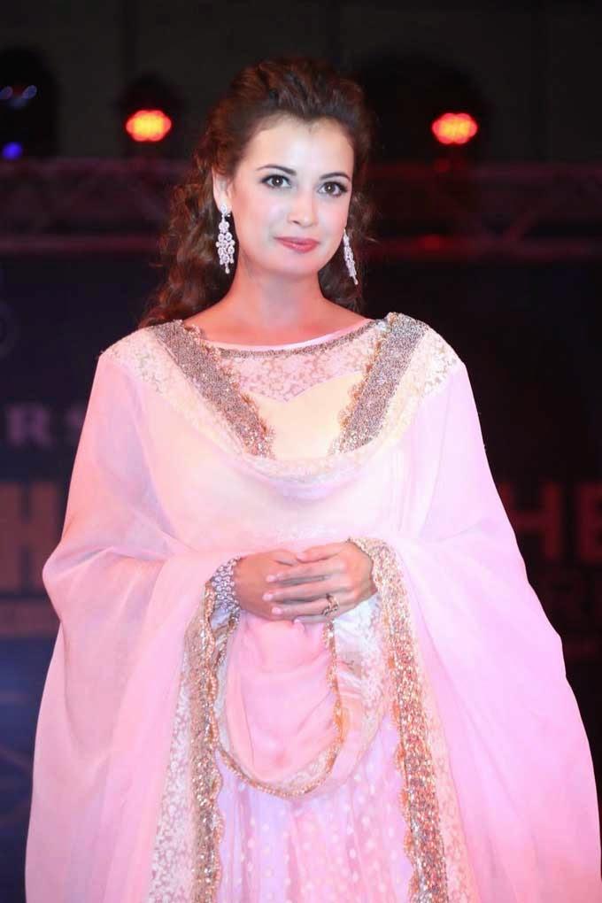Diya Mirza at Teach For Change Fashion Show
