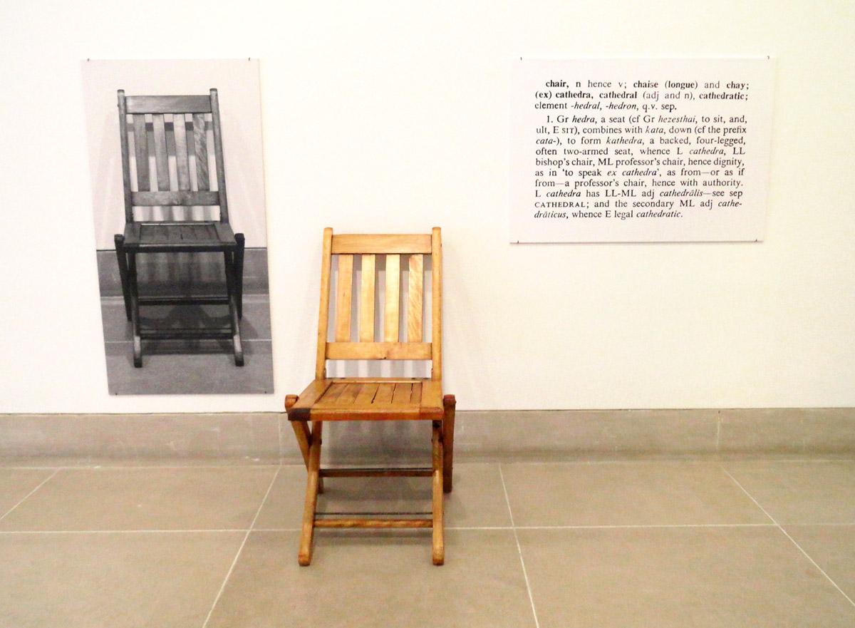 joseph kosuth Resumen de la conferencia de joseph kosuth: various accomodations los historiadores del arte siempre tratan de diferenciar entre lo que una obra de arte expresa por.