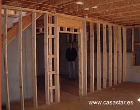 Estructura de una casa de marcos de madera