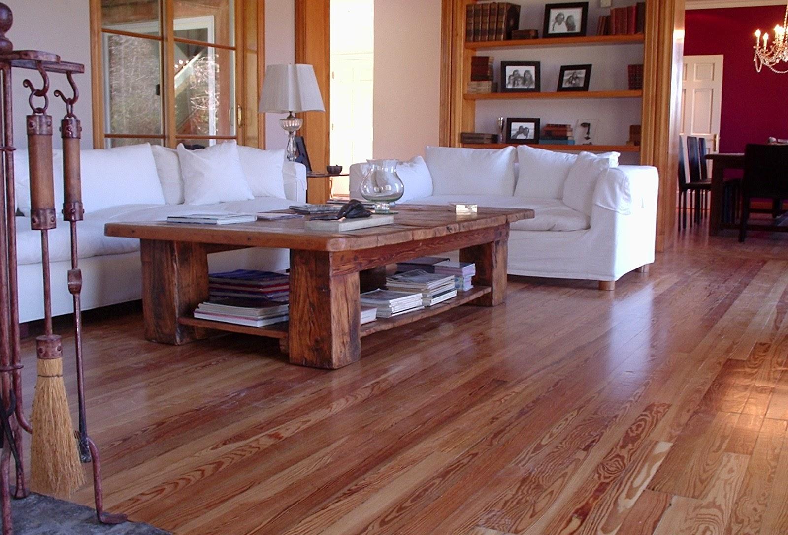 Madera natural tendencia en pisos de madera for Muebles oscuros paredes claras