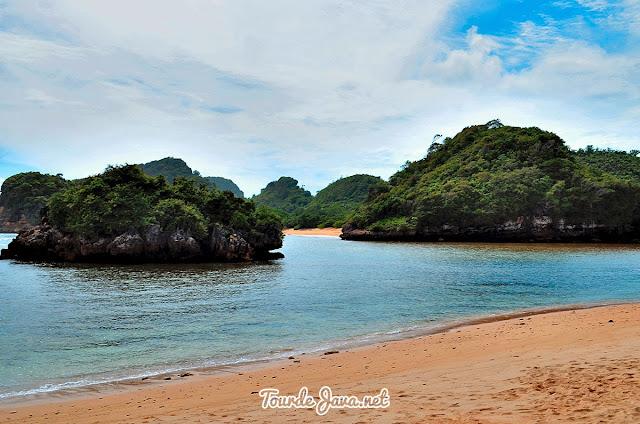 Pantai Gatra yang lestari