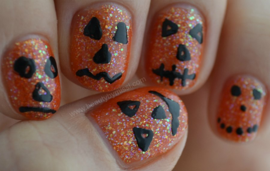 simple nail art design for short nails, nail art for nubbins, notd, pumpinks
