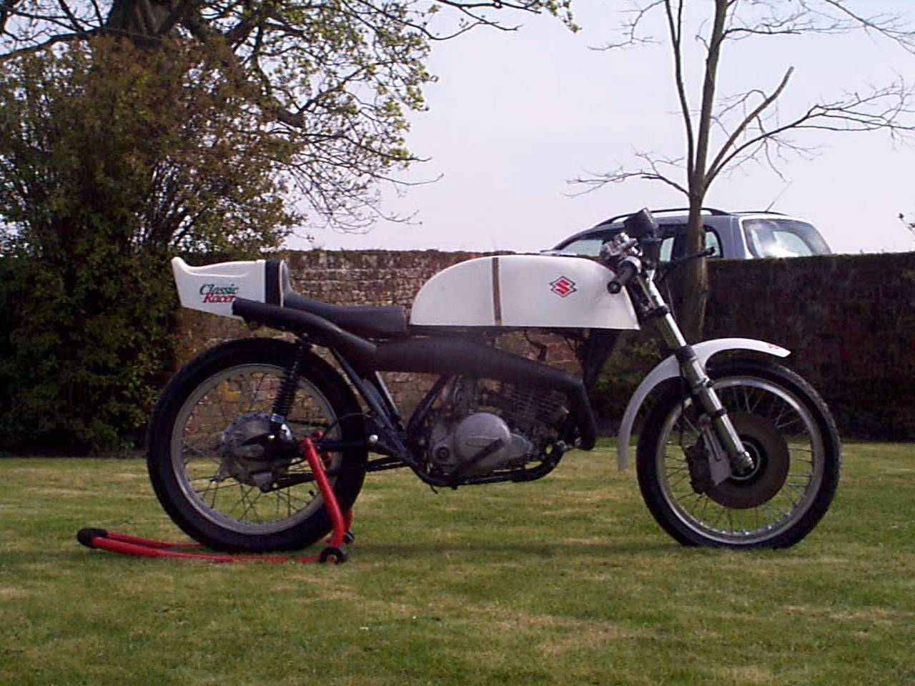 the ts250 project 2011 during 1975 the former uk ducati importer vic camp created a new lightweight 250cc racer based on suzuki s popular ts 250 trail bike