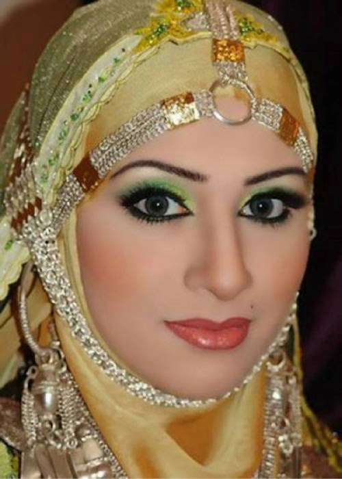 beautiful muslim girl photo