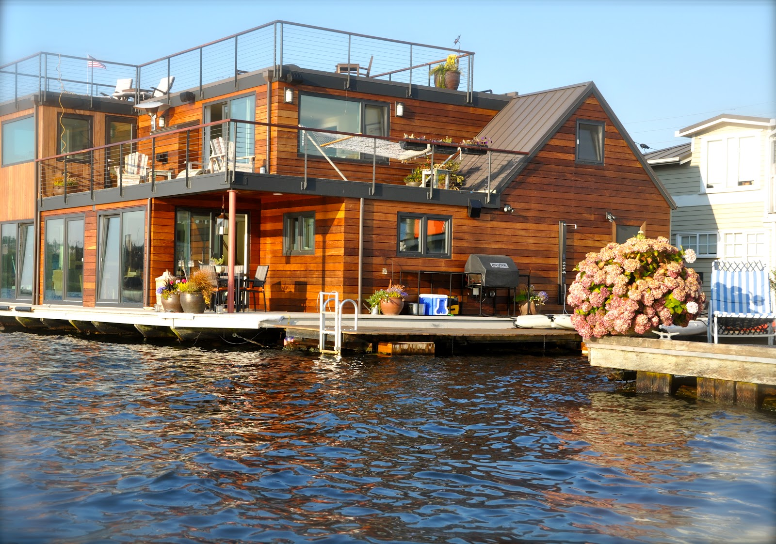 Patina moon floating homes of seattle - Floating house seattle ...