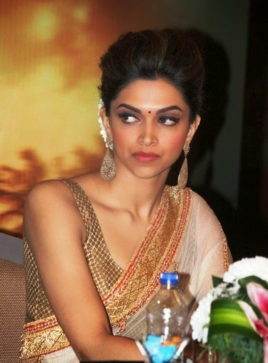 deepika padukone hot cleavage in tight blouse pics
