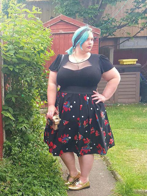 Scarlett and Jo, Scarlett & Jo,  evans, plus size fashion, plus size, curvy, fashion, blog, Blogger, review, prom, dress, prom dress, fat, fatty, chubby, alternative, curves, bbw, cleavage, sweetheart, boobs, arms, legs, thick, chunky, hourglass, waist, hips,