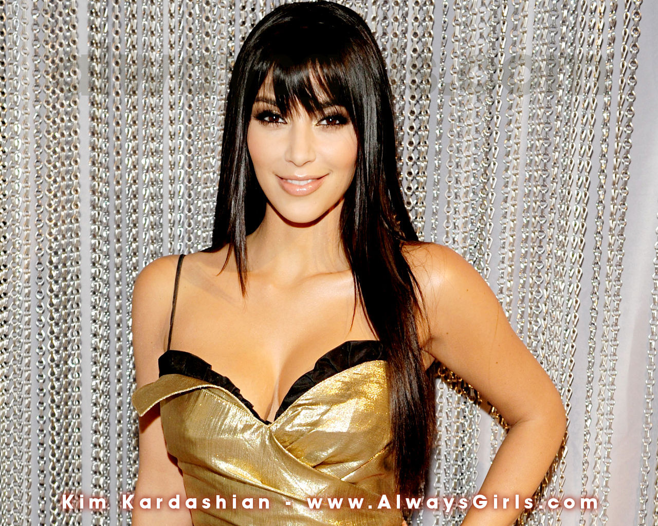 http://2.bp.blogspot.com/-37ZnDwt58mY/TZiIsceStLI/AAAAAAAAAr4/xmk2mXfPyyA/s1600/kim_kardashian02.jpg