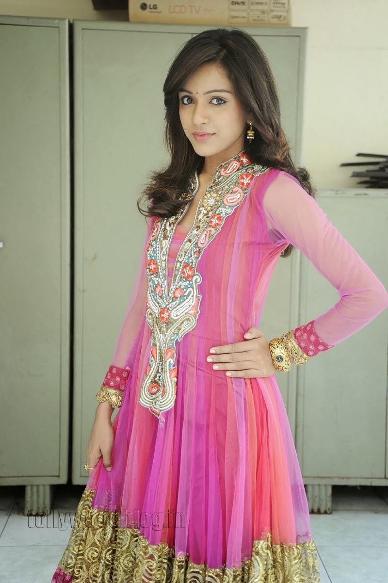 Vithika Sheru Latest Gorgeous Photos