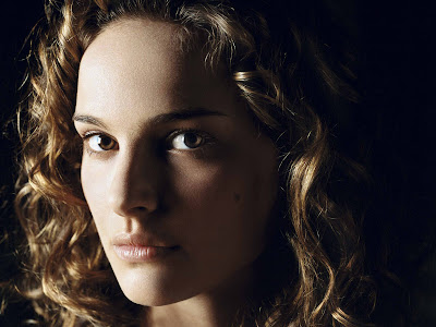 Natalie Portman HD Wallpaper Smile Girl