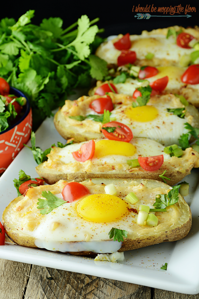 Tex-Mex Huevos en Papas | A simple egg and potato dish with lots of flavor and deliciousness.