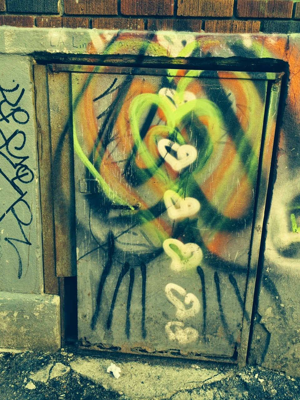 Rippled Heart Graffiti