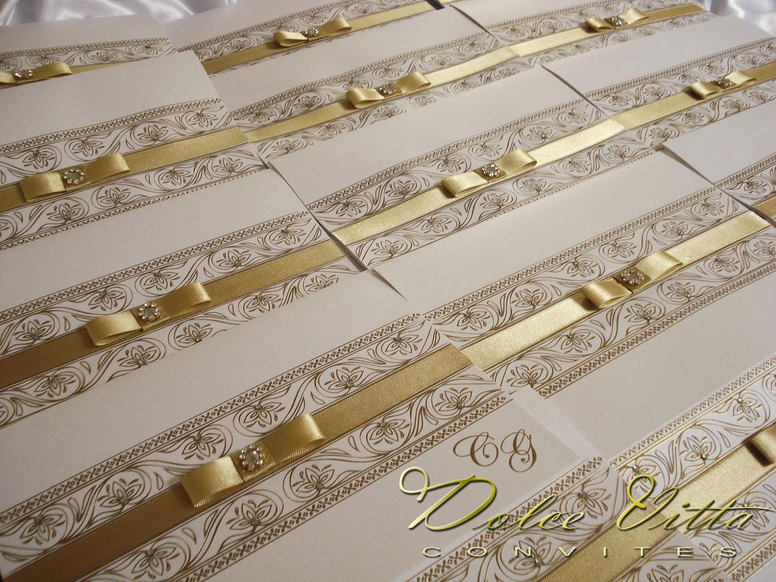 decorar ouro branco: Convite de Casamento Dourado e Branco em Papel Perolado !!! – cod:050
