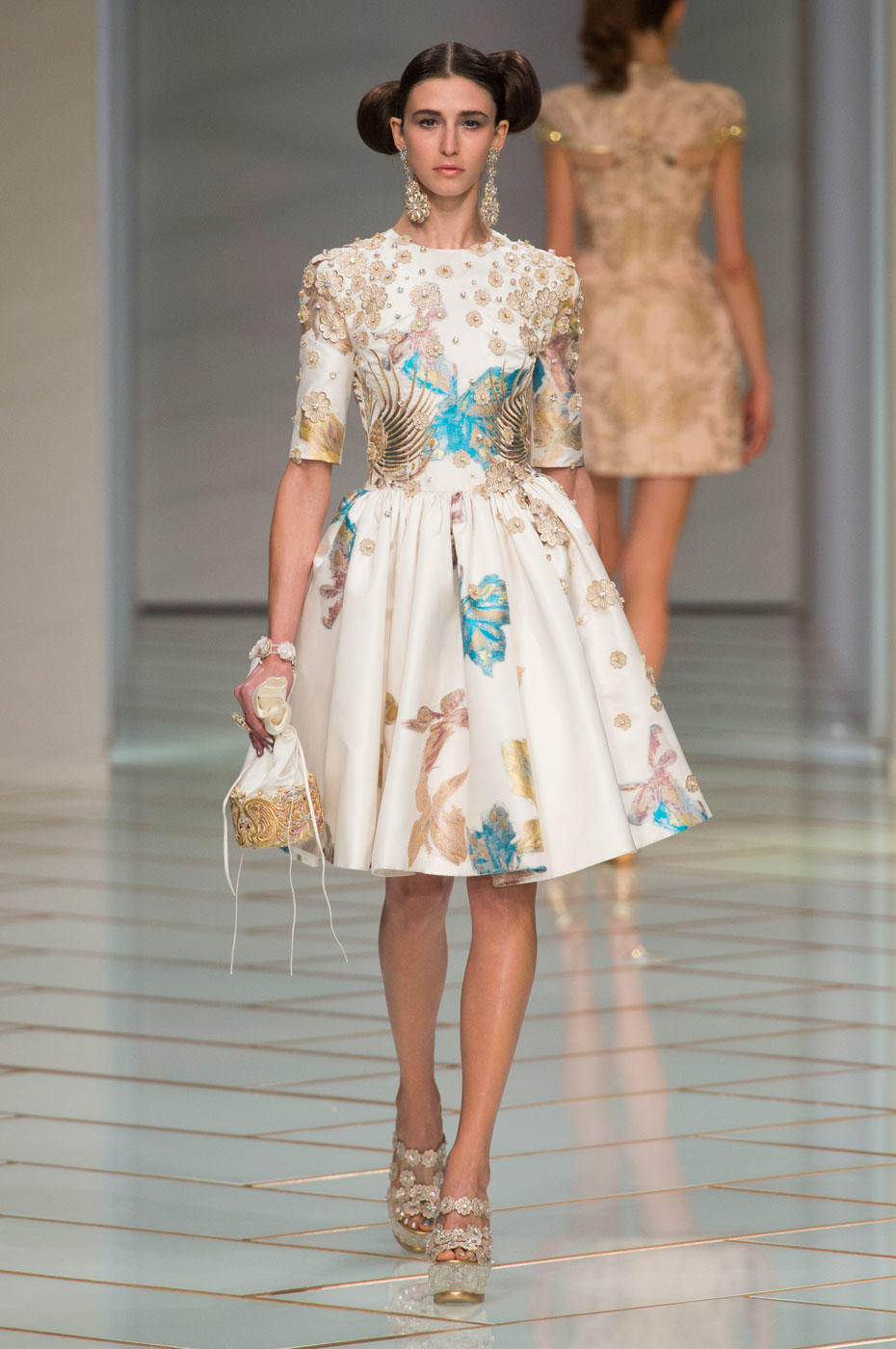 Runway report guo pei haute couture spring summer 2016 for Summer haute couture