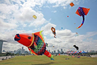 http://www.straitstimes.com/singapore/giant-kites-in-singapore-skies