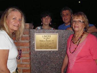 Placa ubicada en el Estadio Polideportivo de Vélez Sarsfield por los 140 años del Barrio de Liniers