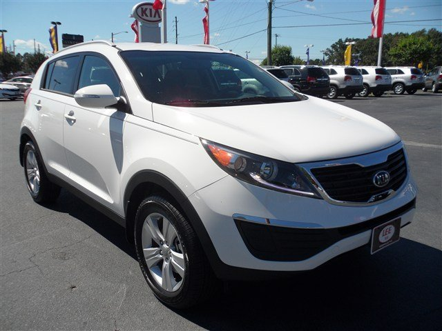 I Remember When I First Saw The Redesigned Kia Sportage Back In 2010. I Was  Interning At Nissan In Tennessee And My Jaw Drop After Seeing A Red  Sportage.