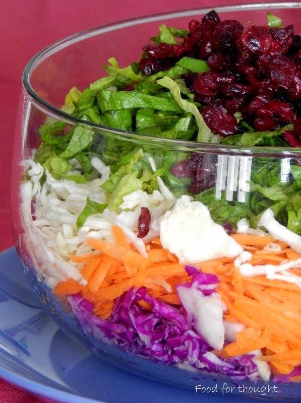 Πολύχρωμη αποκριάτικη σαλάτα