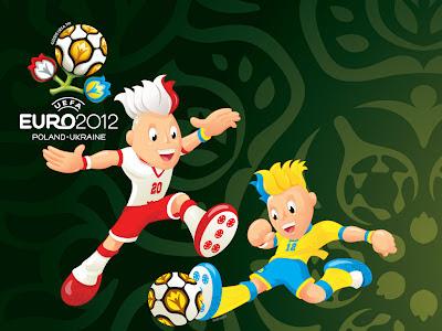 Maskot UERO 2012 Slavek dan Slavko