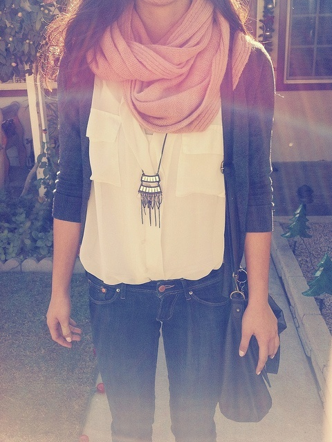 Scarf, necklace, jacket and white shirt for ladies