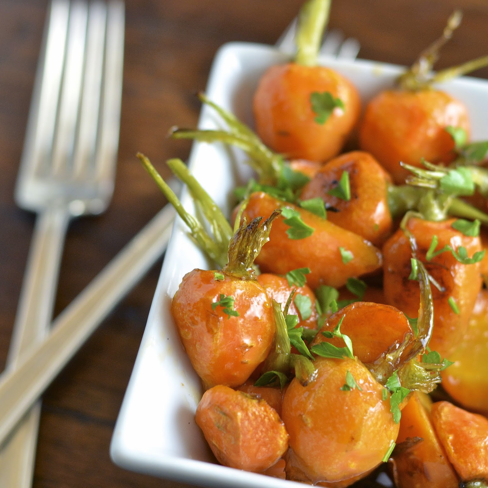 Roasted Baby Carrots with a Honey Sriracha Glaze | Virtually Homemade ...