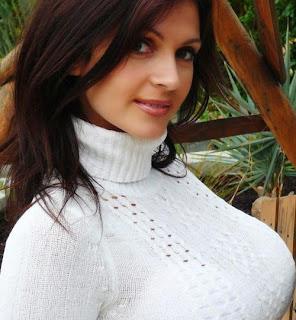 Denise Milani hermosa modelo
