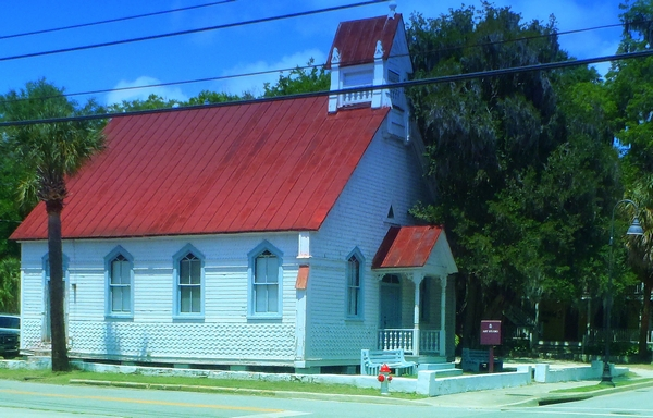Art Studio Church in Beaufort County South Carolina photo by http://dearmissmermaid.com