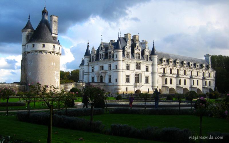 Viajaresvida - Vista del Château de Chenonceau desde los jardines