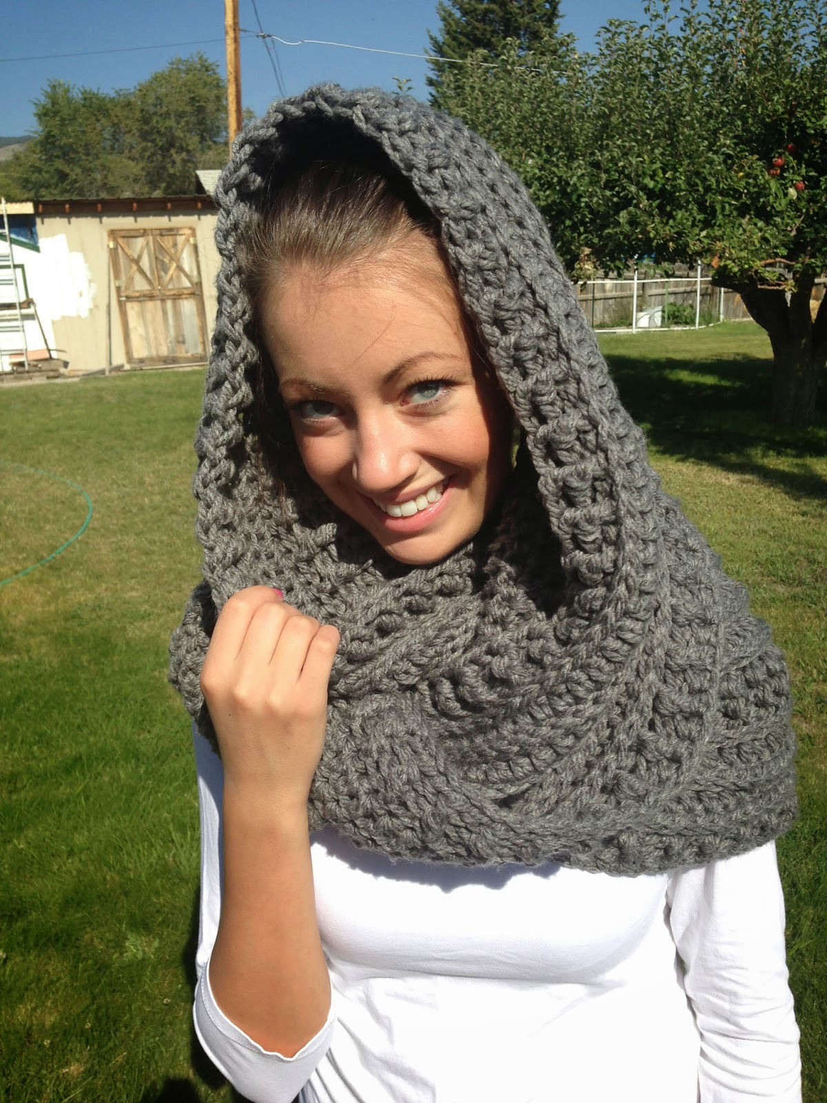 Free Knitting Pattern For Katniss Cowl : Free Crochet Katniss Cowl Pattern - The Friendly Red Fox