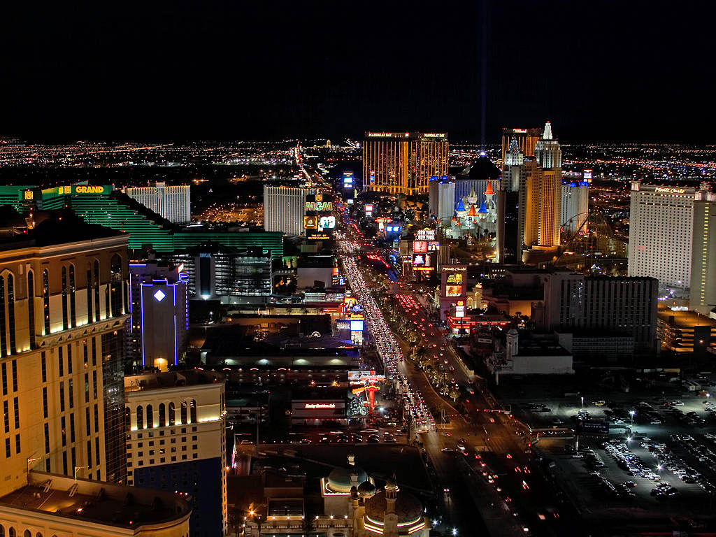 http://2.bp.blogspot.com/-39V_Lzrez5o/Tnm86e6xeTI/AAAAAAAAAUk/i55E9L_OUwE/s1600/las-vegas-city-cities-lights-strip-gambling-casinos.jpg