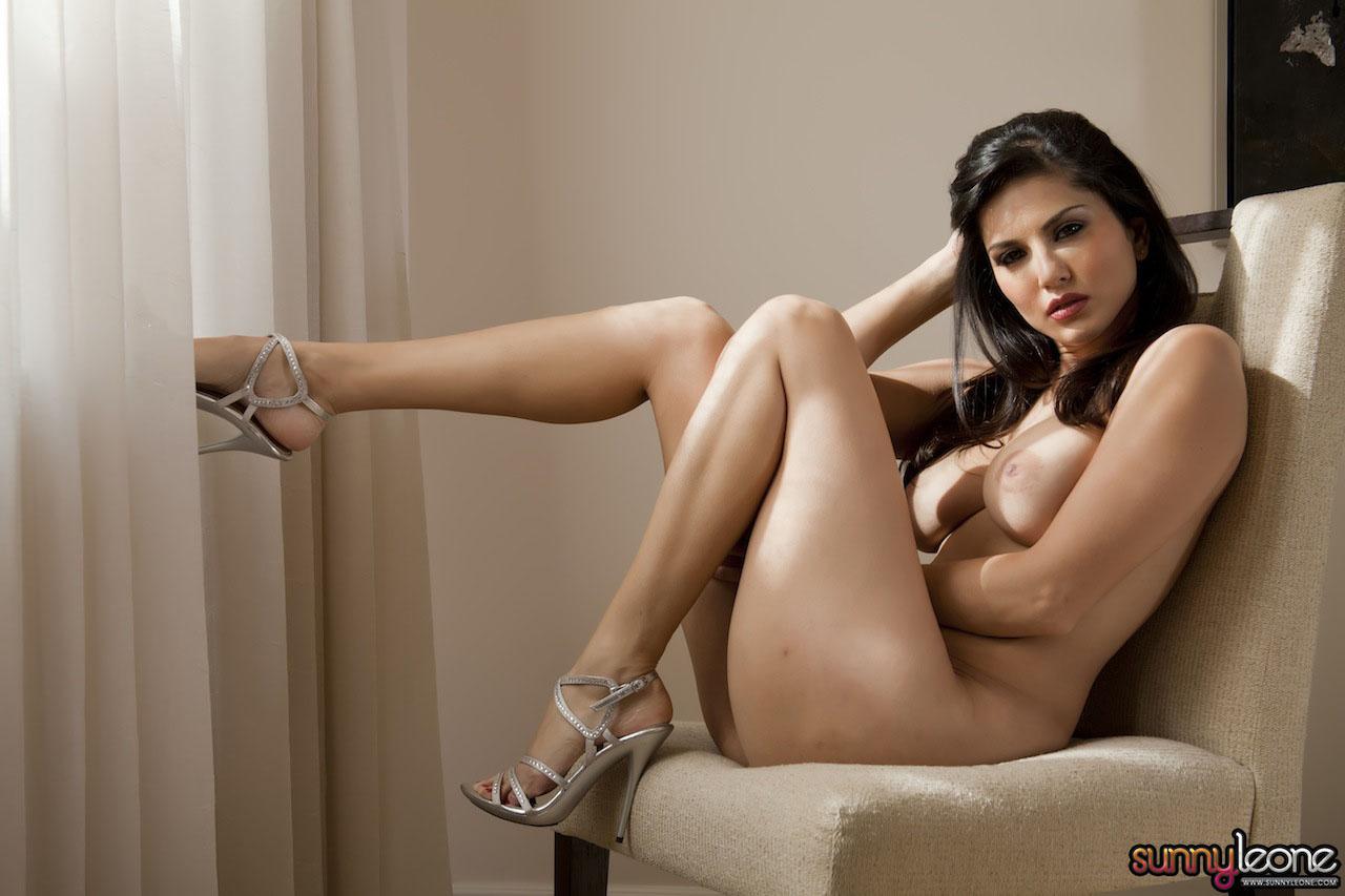 www.celebtiger.blogspot.com Sunny+Leone+ +White+BikIni+(38) Sunny Leone Indian Pornstar Posing Nude In White Lingerie HQ Photos