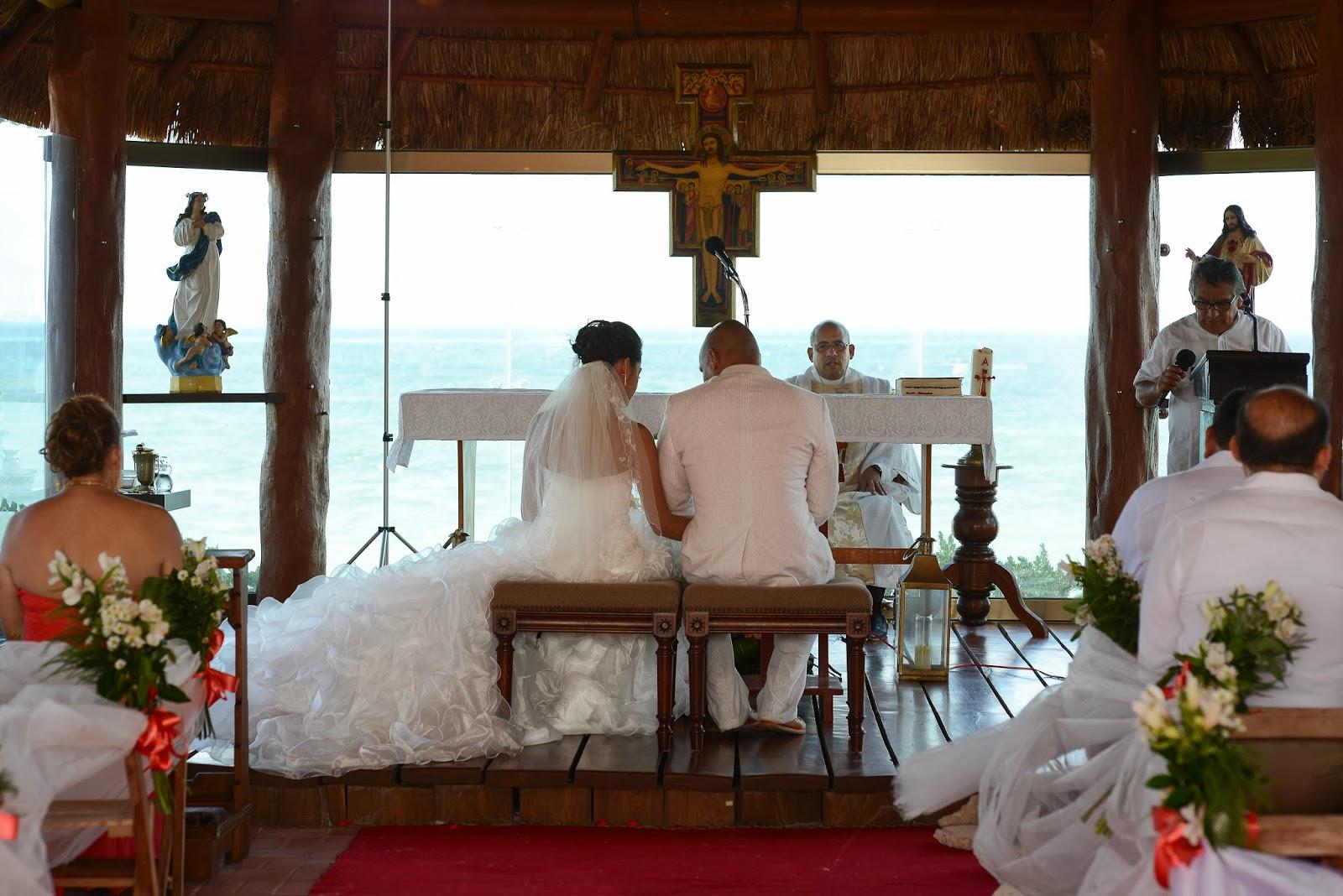 Party boutique canc n boda daly y manuel for Sillas para novios en la iglesia