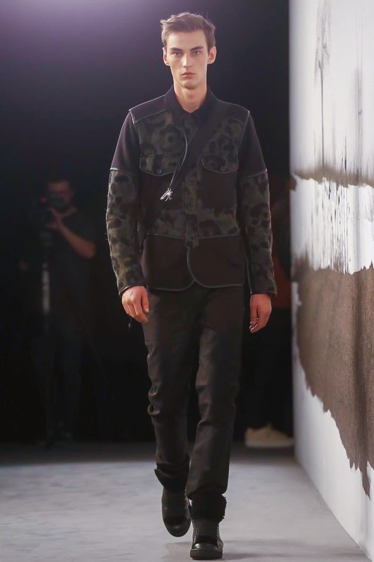 Coach AW15, Coach FW15, Coach Fall Winter 2015, Coach Autumn Winter 2015, Coach, du dessin aux podiums, dudessinauxpodiums, Coach menswear, LCM, London Collections Men, mode homme, menswear, habits, prêt-à-porter, tendance fashion, blog mode homme, magazine mode homme, site mode homme, conseil mode homme, doudoune homme, veste homme, chemise homme, vintage look, dress to impress, dress for less, boho, unique vintage, alloy clothing, venus clothing, la moda, spring trends, tendance, tendance de mode, blog de mode, fashion blog,  blog mode, mode paris, paris mode, fashion news, designer, fashion designer, moda in pelle, ross dress for less, fashion magazines, fashion blogs, mode a toi, revista de moda, vintage, vintage definition, vintage retro, top fashion, suits online, blog de moda, blog moda, ropa, blogs de moda, fashion tops, vetement tendance, fashion week, London Fashion Week