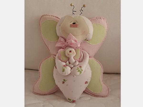 Almofada de borboleta com moldes