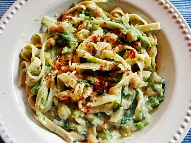 ... TAGLIATELLE WITH RAPINI, ONION, CHICKPEAS & CREAMY WHITE BEAN FLOUR