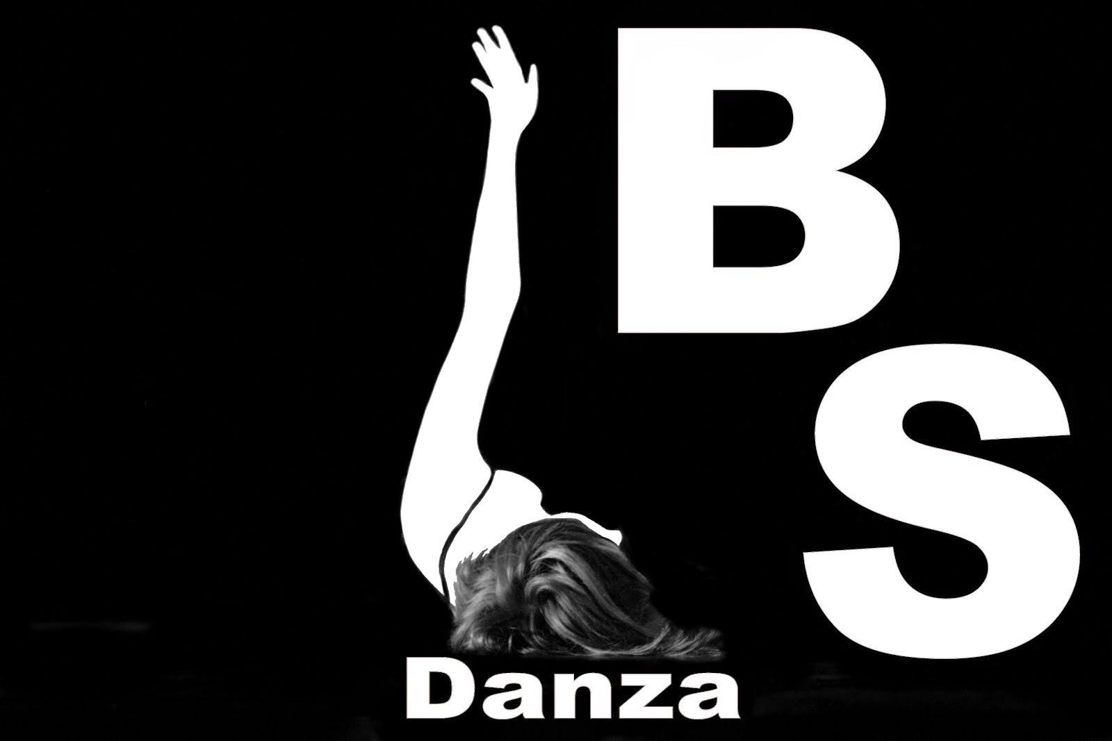 Danza - Dolores Mayán