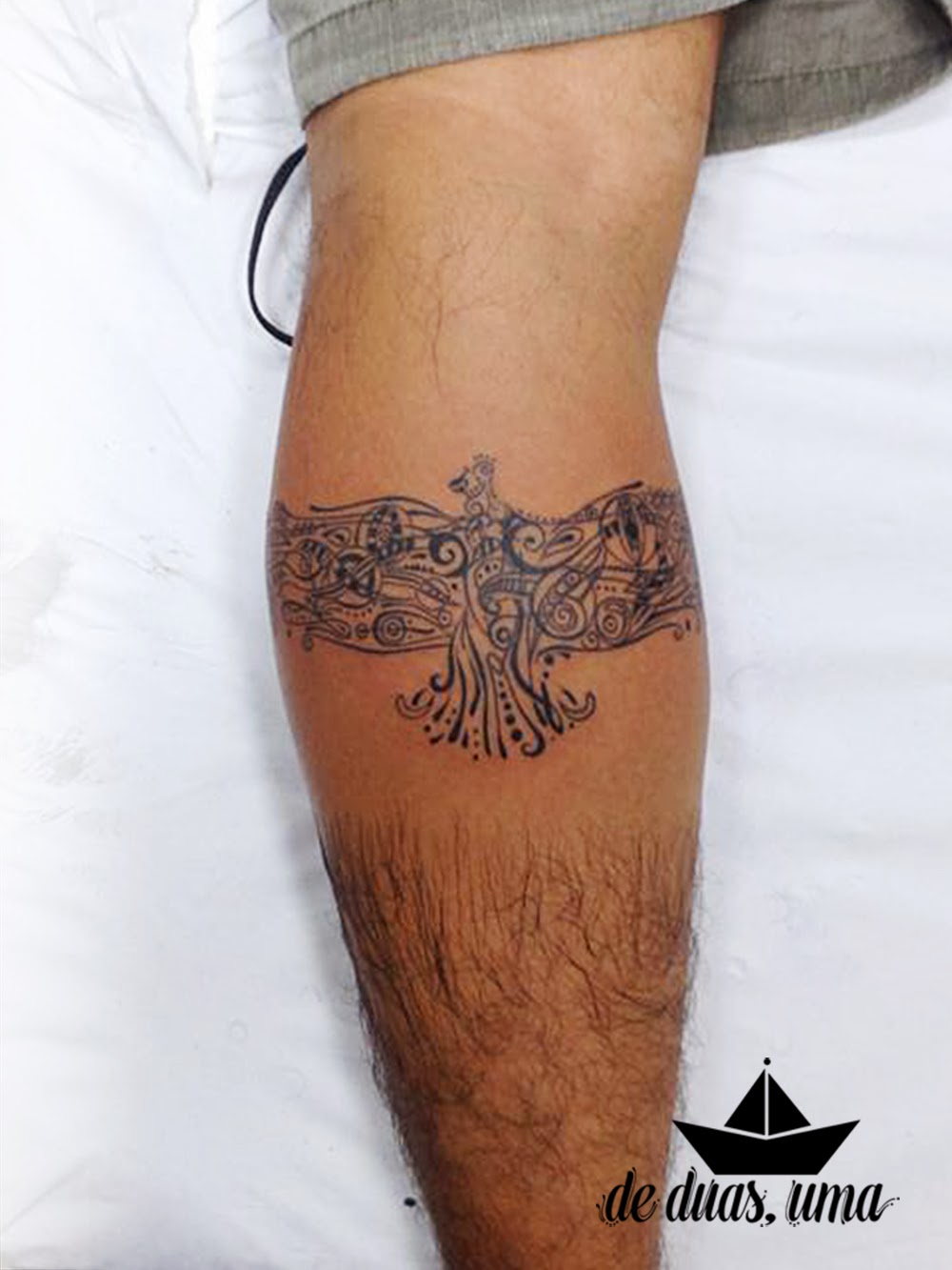 tattoo ave panturrilha condor