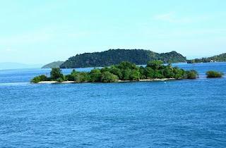 Objek Wisata Teluk Kiluan Lampung