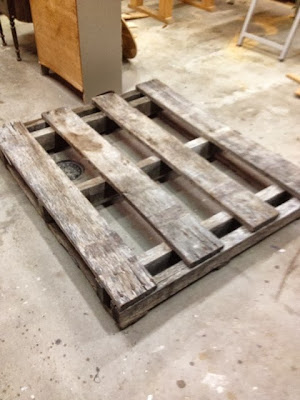 The Changing Room: Pallet Pumpkin Patch