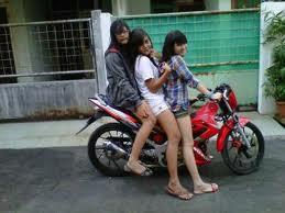 Cewek Cantik Seksi Bonceng Motor | Nabilah JKT48