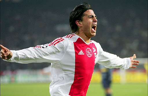 This is former Ajax Amsterdam player Mauro Rosales. Not Dexter Rosales